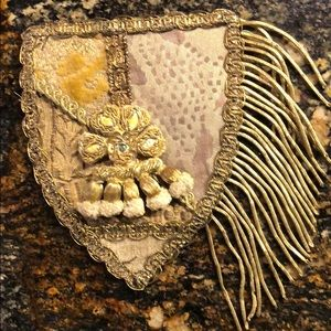 Accessories - Ornamental applique